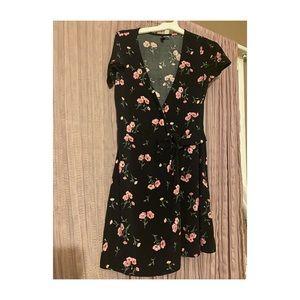 H&M Floral dress 🌸🌷🌺💐